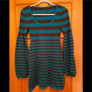 Take Out Sweater Dress / Tunic